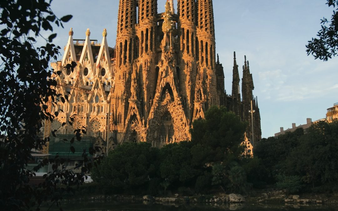 Spain Folk Cruise Includes 2 Free Gifts at this time for our private group ! Book Now To Enjoy